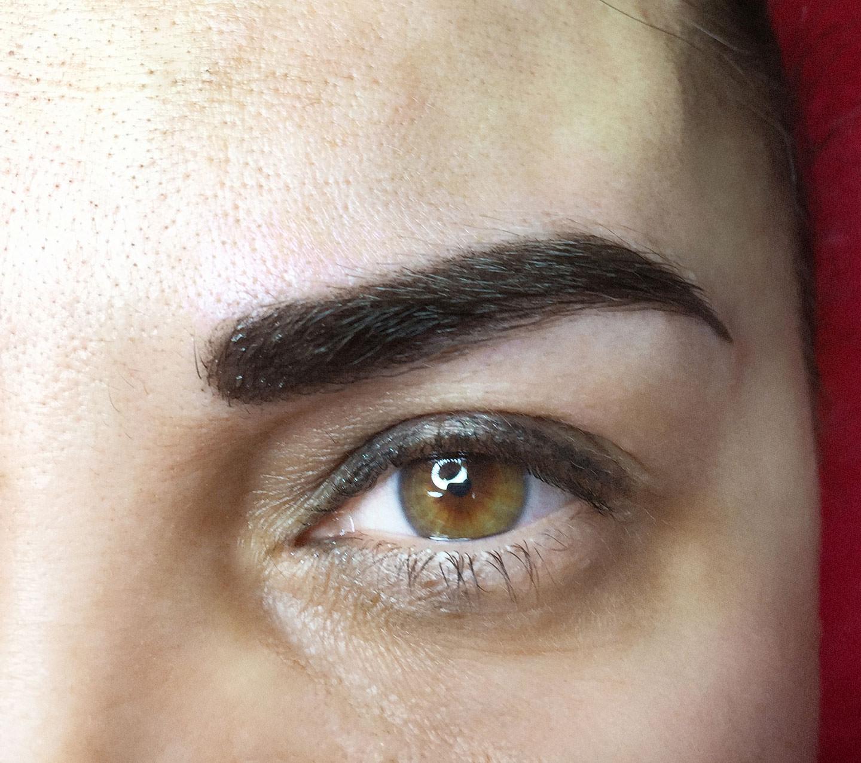 Makeup obočí